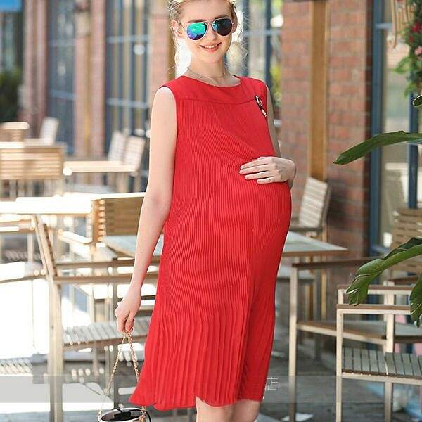 Стильные и модные платья для будущих мам: пополняем летний гардероб
